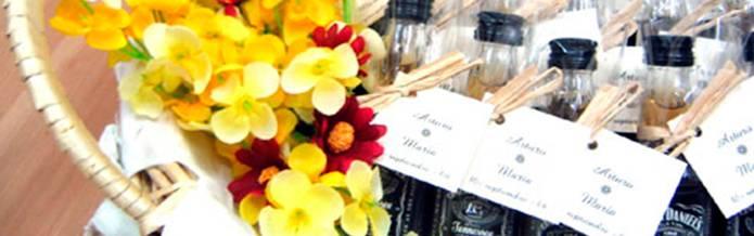 Licor de orujo crema de orujo orujo de hierbas for Obsequios boda